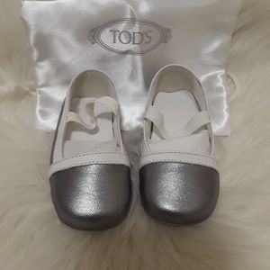 Tods Infant Grey Flats